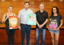 La segona i tercera classificades, amb l'alcalde i el regidor de Cultura.