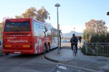 La nova parada de bus estarà situada al pont de la riera Seca.